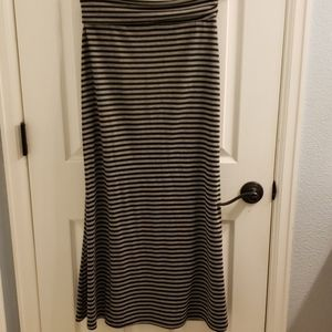 Lily Rose Maxi Skirt Size M